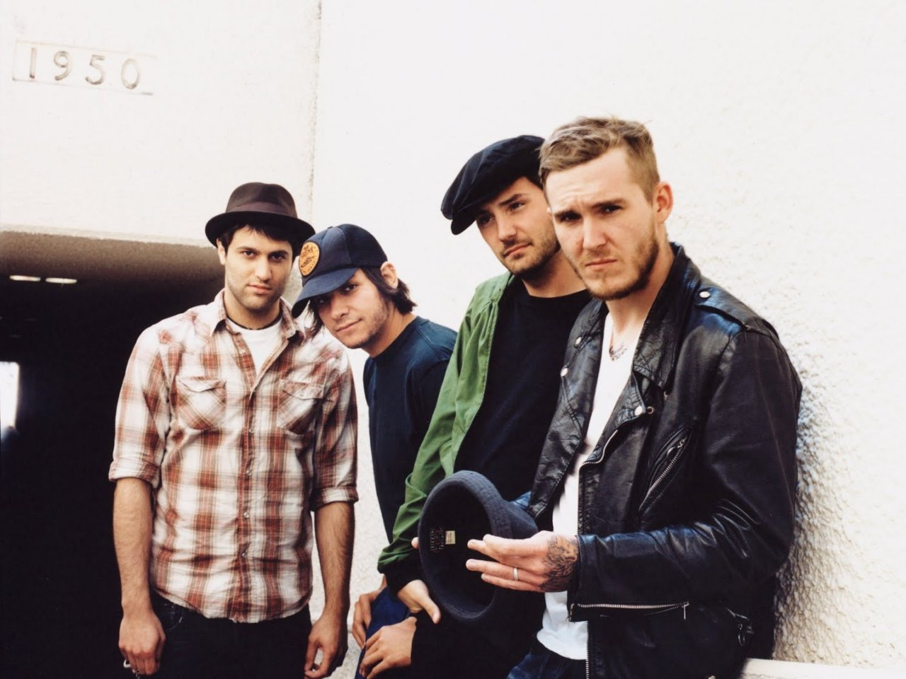 """La punk band americana pubblica """"B-Sides"""", raccolta acustica con cover di Pearl Jam e Rolling Stones"""