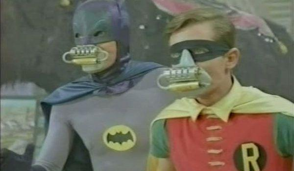 batman-66-smack-in-the-middle-02