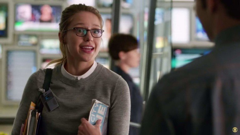 supergirl-first-look-0513-04-1280x720