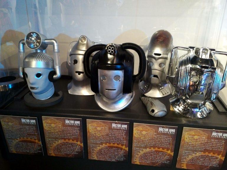 Cybermen Old