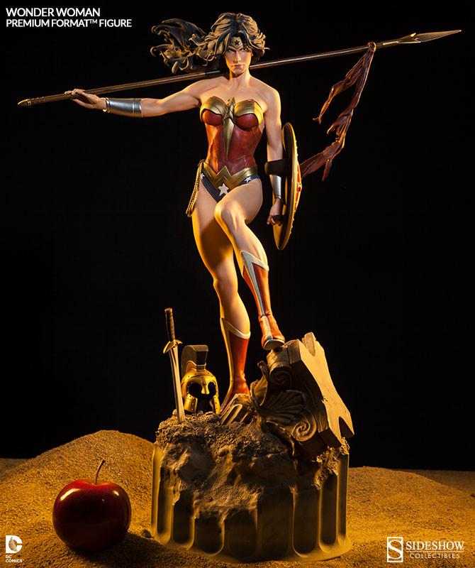 Wonder Woman Premium Format Figure 01