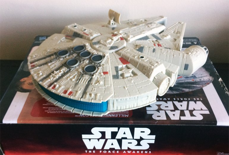 Hasbro Star Wars: The Force Awakens Millennium Falcon Review - She's Got It Where It Counts, Kid