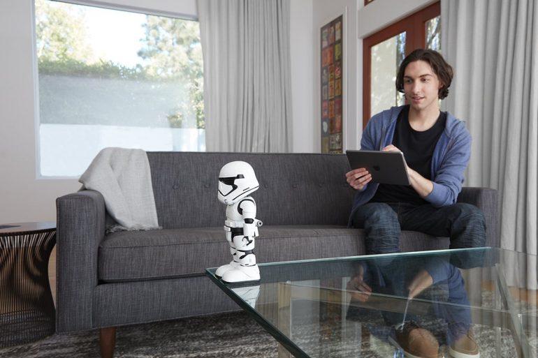 UBTECH - Star Wars First Order - Stormtrooper Robot - Review