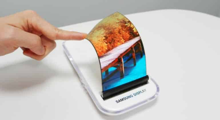 Which Manufacturer Will Be The First To Launch The Folding Smartphone