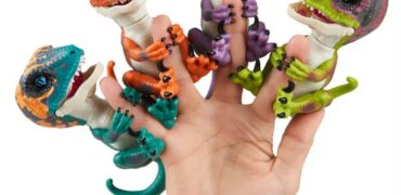 Untamed Fingerlings Dino Velociraptor Review – This Small Dino Packs A Lot Of Punch