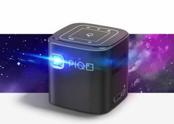 PIQO Introduces World's Smartest, Most Powerful Pocket Projector