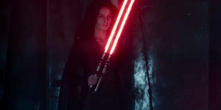 Rey Has A Double Lightsaber In Star Wars: Rise of Skywalker D23 Footage