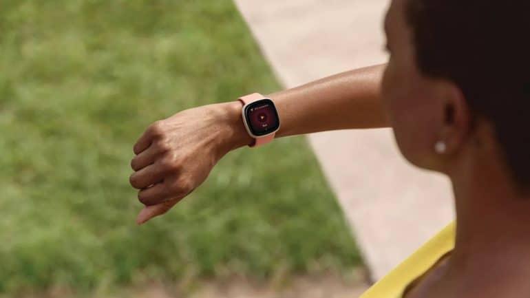 Fitbit - Versa 3 - Tech