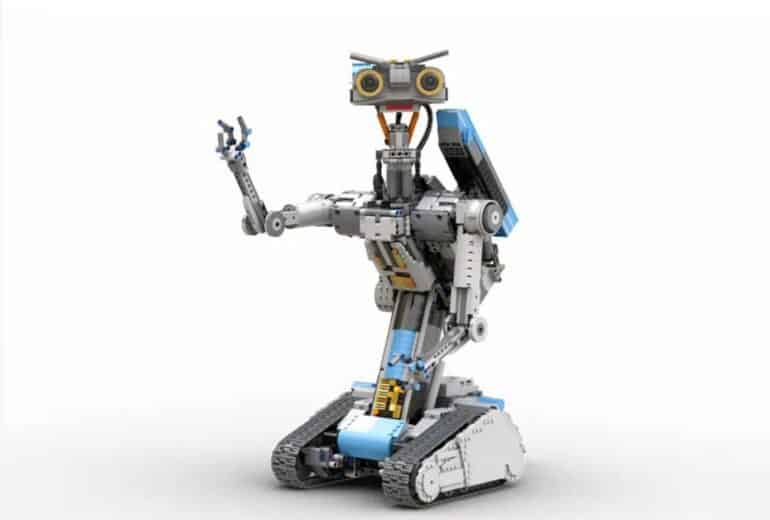Johnny 5 Is Alive Thanks To A New Short Circuit LEGO Set